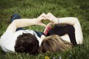 رفتار عاشقانه با همسر| چگونه با همسر خود رفتار عاشقانه داشته باشیم؟